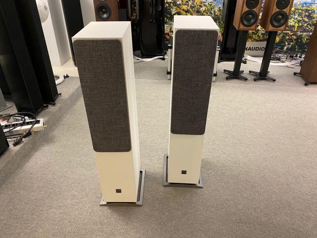 DALI Oberon 7 C Lautsprecher in Stuttgart bei Graf Hören und Sehen